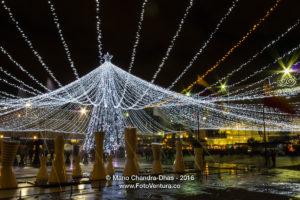 Bogotá Colombia: Christmas lights and fountain near Shopping Mall