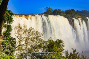 Devil's Throat at the Iguassu Falls between Brazil and Argentina © Mano Chandra Dhas