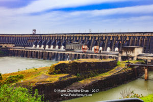 The Itaipu Dam located between Brazil and Paraguay. South America © Mano Chandra Dhas