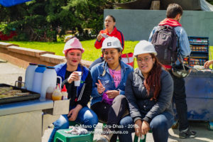 Colombia - Lady Engineers Wearing Hard Hats Have a Roadside Snack ©Mano Chandra Dhas